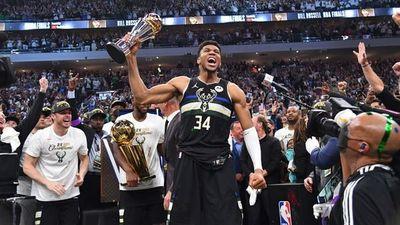 De vender pañuelos en Atenas a ser campéon y MVP de la finales de la NBA