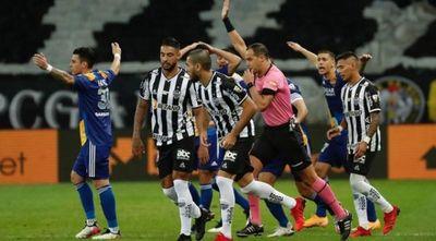 Mineiro elimina a Boca en partido con polémicas