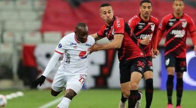 Paranaense golea al América y se medirá en cuartos con Liga de Quito