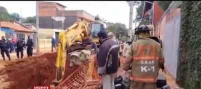 Barrio Palomar: trabajadores quedan atrapados tras derrumbe de una obra