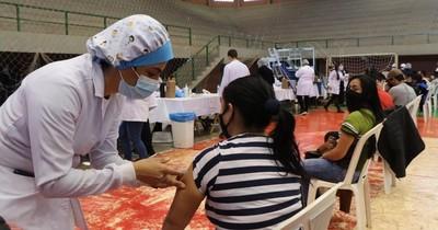 La Nación / Unos 4.500 estudiantes brasileños se vacunaron en Alto Paraná