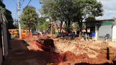 Una obra se desmorona en Asunción y dos obreros quedan atrapados