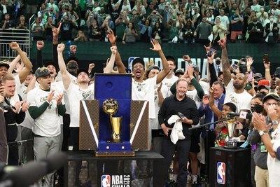 Con un Antetokounmpo estelar, los Milwaukee Bucks son campeones de la NBA