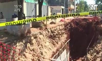 Derrumbe en obra deja heridos y preocupa a vecinos