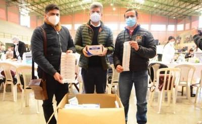 Municipalidad dona 10.000 jeringas a la Décima Región Sanitaria