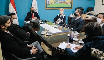Caso Itaipú: Fiscales se constituyeron en la Contraloría para solicitar entrega de Informe Final