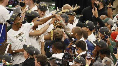NBA: Giannis Antetokounmpo guía a los Bucks hasta la gloria