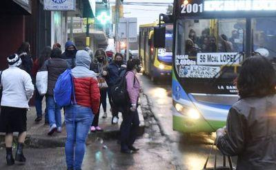 Sancionan ley que castiga penalmente a transportistas por reguladas