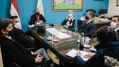 Fiscales solicitan a Contraloría informe sobre deuda de Itaipú