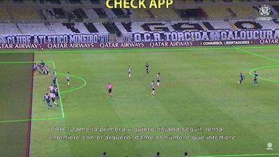 El audio del VAR del gol que le anularon a Boca Juniors