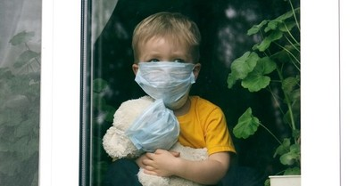 Estudio revela que 1,5 millones de niños perdieron a sus padres o abuelos por el Covid-19