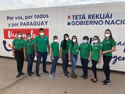 Farmacenter colaboró en jornada de vacunación masiva en el Rubén Dumot