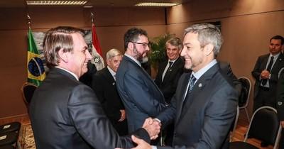 """La Nación / Brasil meterá """"un gol de media cancha"""" ante desidia del Gobierno, afirma Llano"""