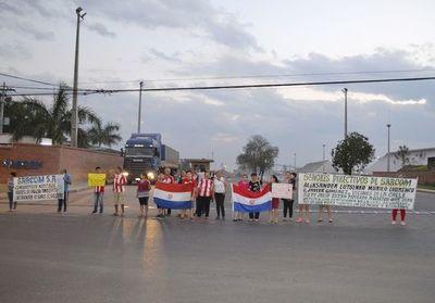 """Vecinos denuncian emisión de """"polvillos"""" que genera una planta de silo en San Antonio"""