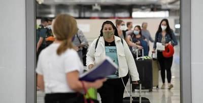 Del sector turismo recuerdan al gobierno que variante Delta no viaja solo en avión