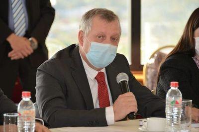 Ministro Bertoni defenderá producción de carne en cumbre, en Roma