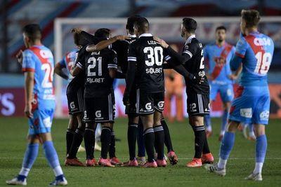 Sporting elimina al Arsenal y espera en cuartos a Nacional o Peñarol