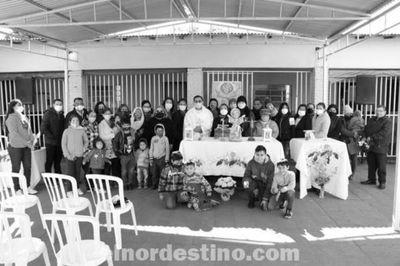 Celebrando el Día del Divino Niño Jesús en Mitã Róga, la Municipalidad de Pedro Juan Caballero activa en al área social