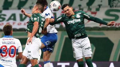 Gómez y Riveros se instalan en cuartos de la Libertadores