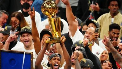 Bucks brillan en NBA