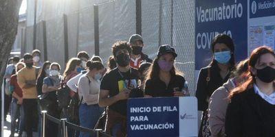 Diputado plantea restricción a no vacunados en espacios públicos y desata críticas