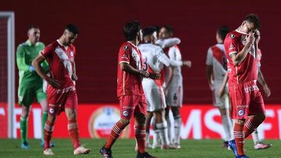 River Plate despide a Argentinos Juniors de Gabriel Ávalos