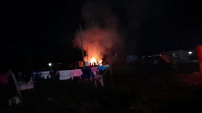 Supuesto incendio intencional de vivienda en Coronel Oviedo – Prensa 5
