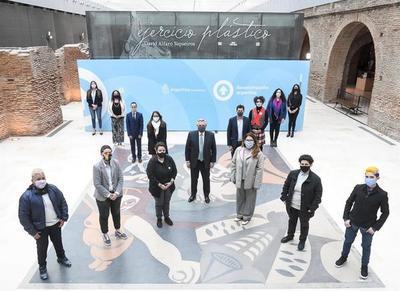 """Argentina, primera en Latinoamárica en añadir """"x"""" en DNI para personas no binarias"""