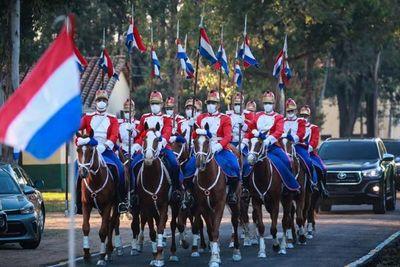 Mandatario encabezó festejos por el Día del Ejército Paraguayo