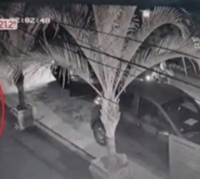 Así emboscan a joven para robarle el auto