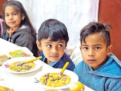 """Estaban """"SUBASTANDO"""" adjudicación de almuerzo escolar en comuna de FRANCO"""