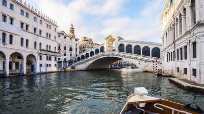 Descubren restos de una calzada romana bajo las aguas de Venecia