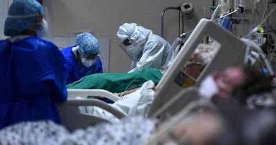 """La Nación / El COVID-19 """"se está convirtiendo en pandemia de no vacunados"""", dicen en EEUU"""
