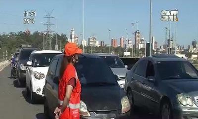 Segunda jornada de vacunación de jóvenes en la Costanera de Asunción
