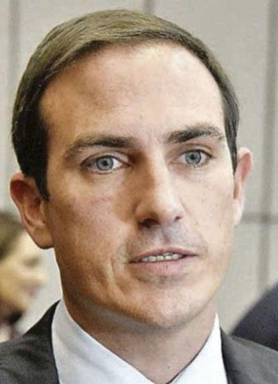 Aporte del FMI se convertirá en deuda, advierte senador sobre plan del Gobierno