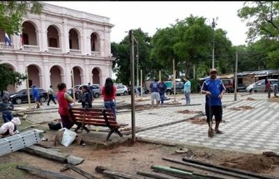 Proponen enrejar Plaza de Armas para protegerla de destrozos – Prensa 5