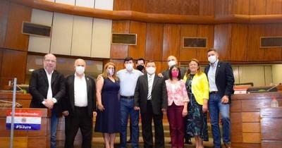 La Nación / Diputados de Honor Colorado atentos ante ropaje de inmunidad a extranjeros