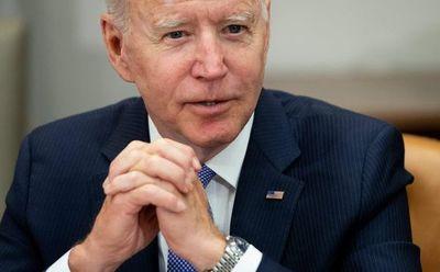 Biden opta por la mano dura con Cuba y sanciona a militares