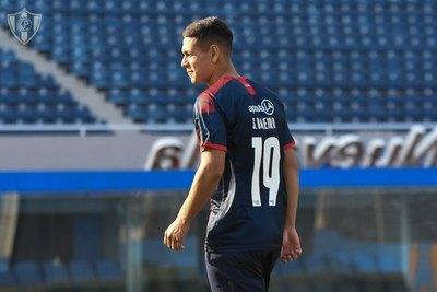 Luego de su paso por Cerro, Sergio Bareiro es presentado en su nuevo club