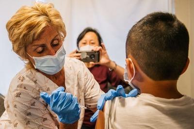 Día A: Adolescentes con enfermedades de base se vacunan este viernes