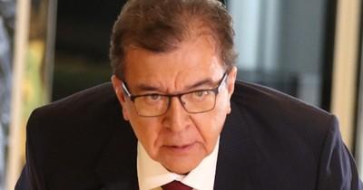 """La Nación / Llano denuncia al """"Virrey"""" Duarte Frutos por comprar columnas de """"oro"""""""