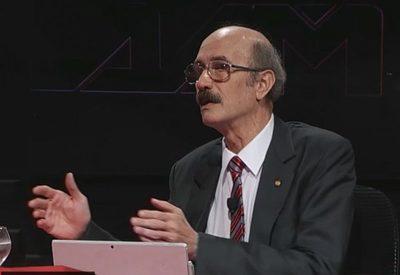 El constitucionalista Jorge Vasconcellos afirmó que la vacuna no es motivo legal de despido