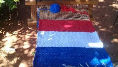 Tejidos de poyvi, productos artesanales que crecen en demanda (la base de la economía familiar en Carapeguá)