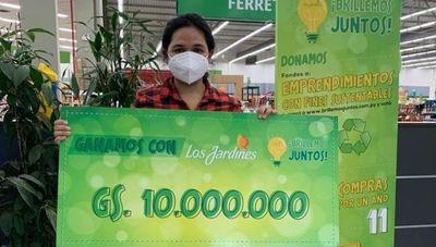 Supermercado Los Jardines premia a emprendimientos sustentables