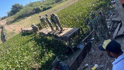 Destruyen puentes por donde traían contrabando al país