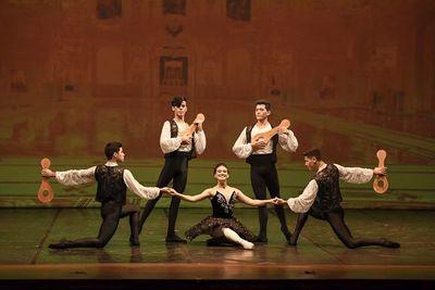 Master Ballet actúa hoy en el Municipal