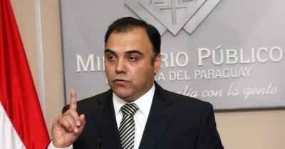 La Nación / Juez declara rebeldía de ex fiscal general Díaz Verón