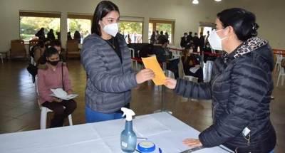 Cinco distritos recibieron segundo desembolso para becas