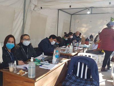Defensores públicos estarán hoy en todos los vacunatorios · Radio Monumental 1080 AM