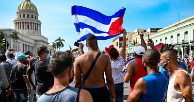"""La Nación / Cuba niega """"represión contra el pueblo"""" y rechaza sanción de EEUU"""